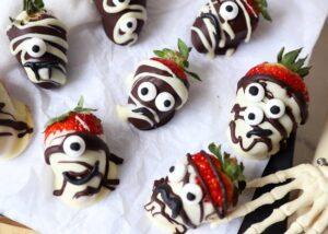 Choc Halloween Strawberries